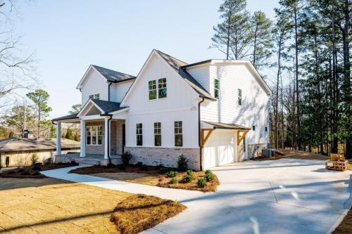 Gus Pounds has over 45 years of experience building homes in Atlanta, GA.