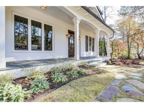 1 Meadowvale -Bluestone front porch