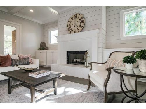 4 Meadowvale -Family room fireplace