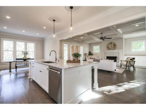 8 Meadowvale -Ship Lap Coffered Ceiling Kitchen Family